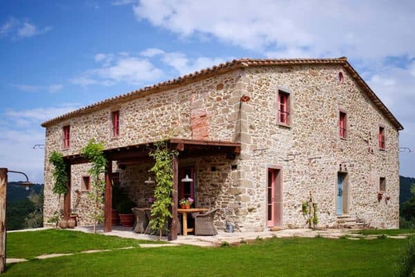 featured posts image for 16th Century farmhouse restored into charming holiday villa in Italy