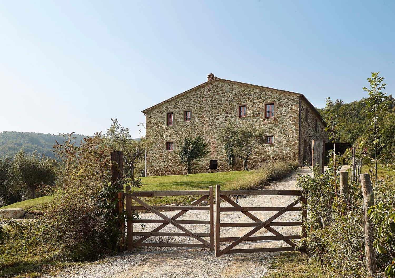Historic Farmhouse Renovation-Special Umbria-33-1 Kindesign