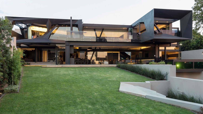 Imposing Modern Residence-Werner van der Meulen-01-1 Kindesign