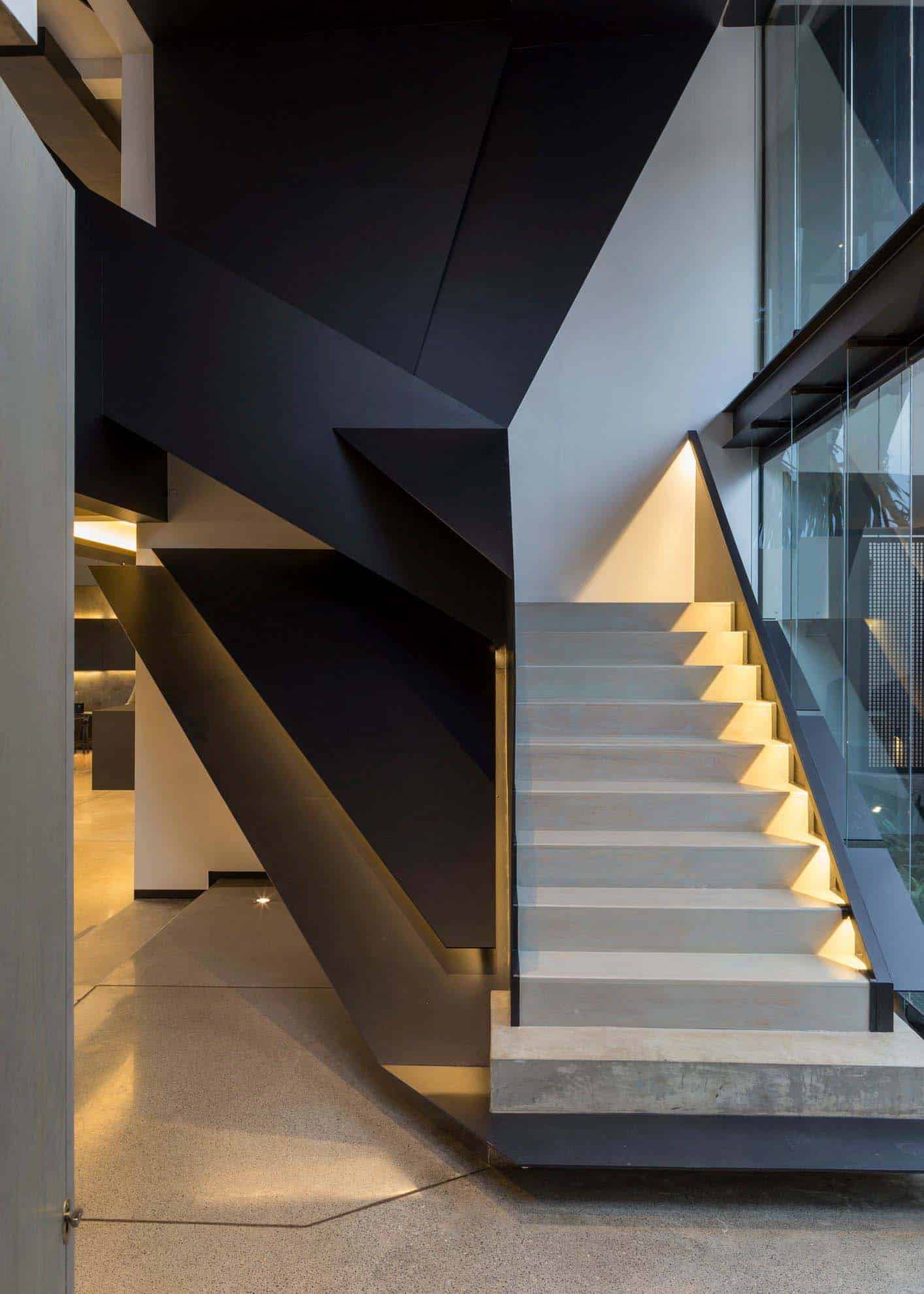 Imposing Modern Residence-Werner van der Meulen-04-1 Kindesign