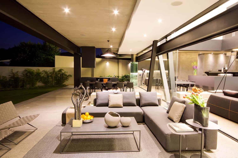 Imposing Modern Residence-Werner van der Meulen-16-1 Kindesign