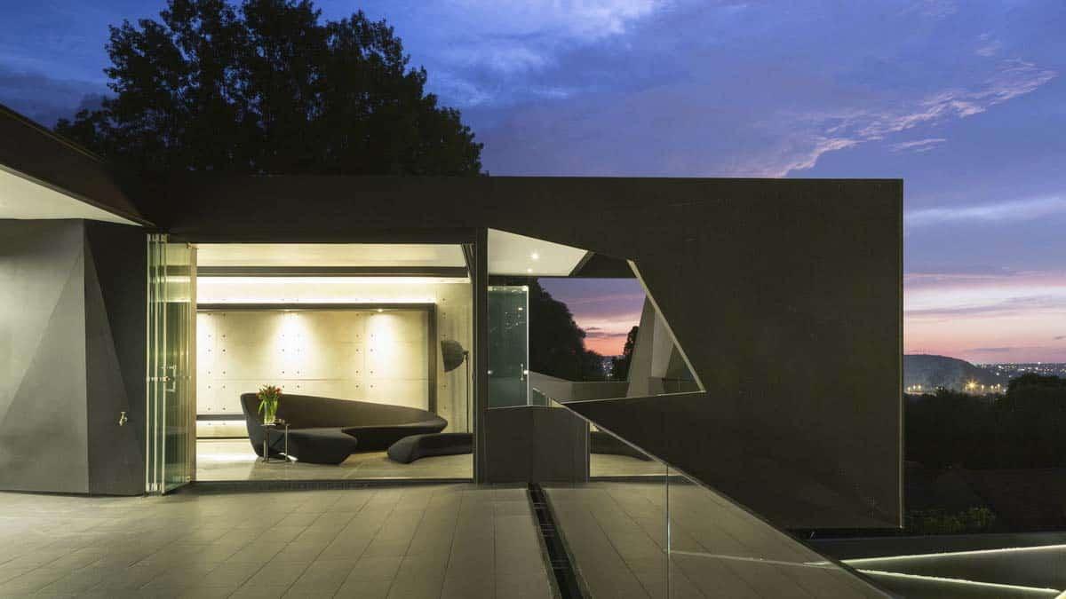 Imposing Modern Residence-Werner van der Meulen-29-1 Kindesign