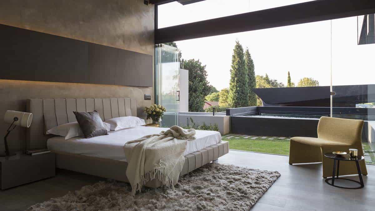 Imposing Modern Residence-Werner van der Meulen-37-1 Kindesign