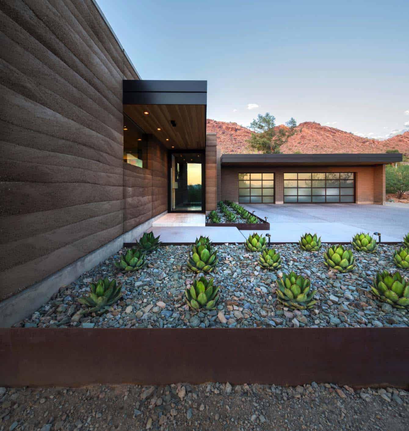 Modern Rammed Earth Home-Kendle Design-01-1 Kindesign