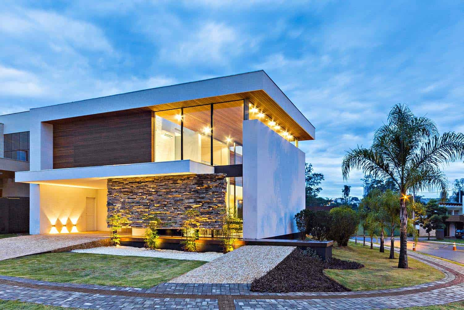 Striking Modern Residence-Spagnuolo Architecture-02-1 Kindesign