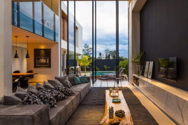 featured posts image for Architecturally striking two-story modern dwelling in Brazil
