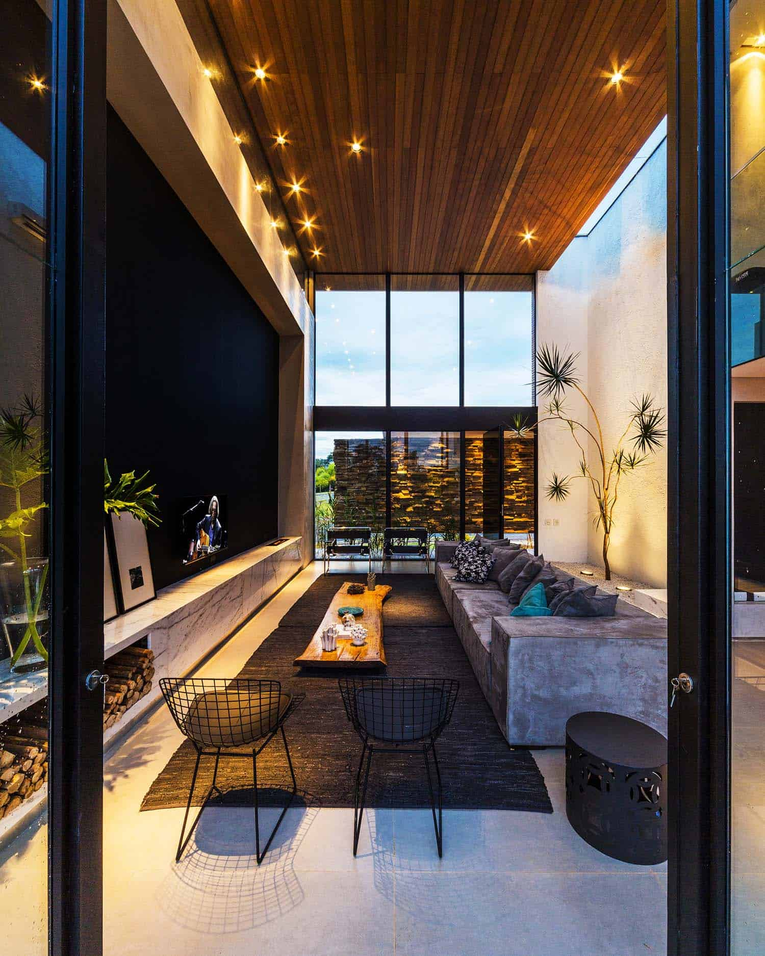 Striking Modern Residence-Spagnuolo Architecture-09-1 Kindesign