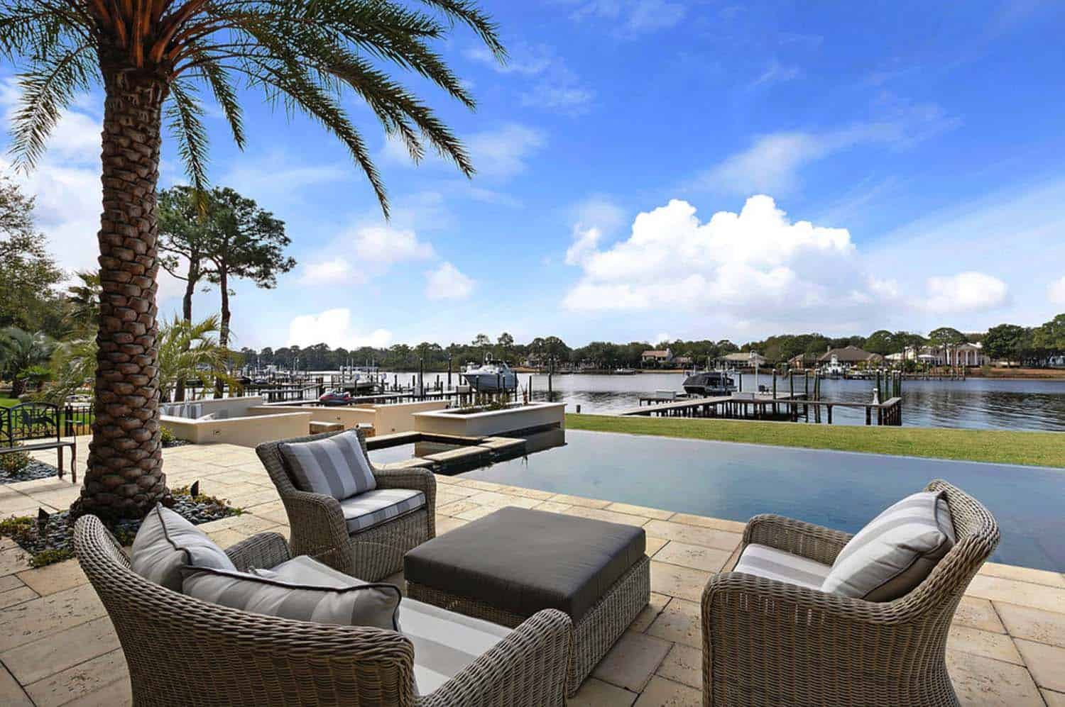 Traditional Bayfront Residence-Geoff Chick Associates-22-1 Kindesign