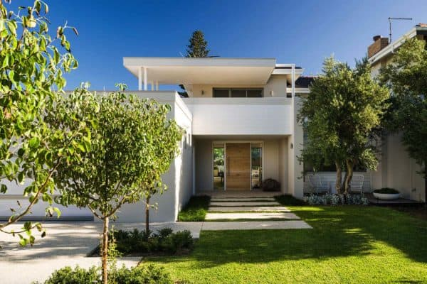 featured posts image for Renovated Australian home celebrates a relaxed beachside lifestyle