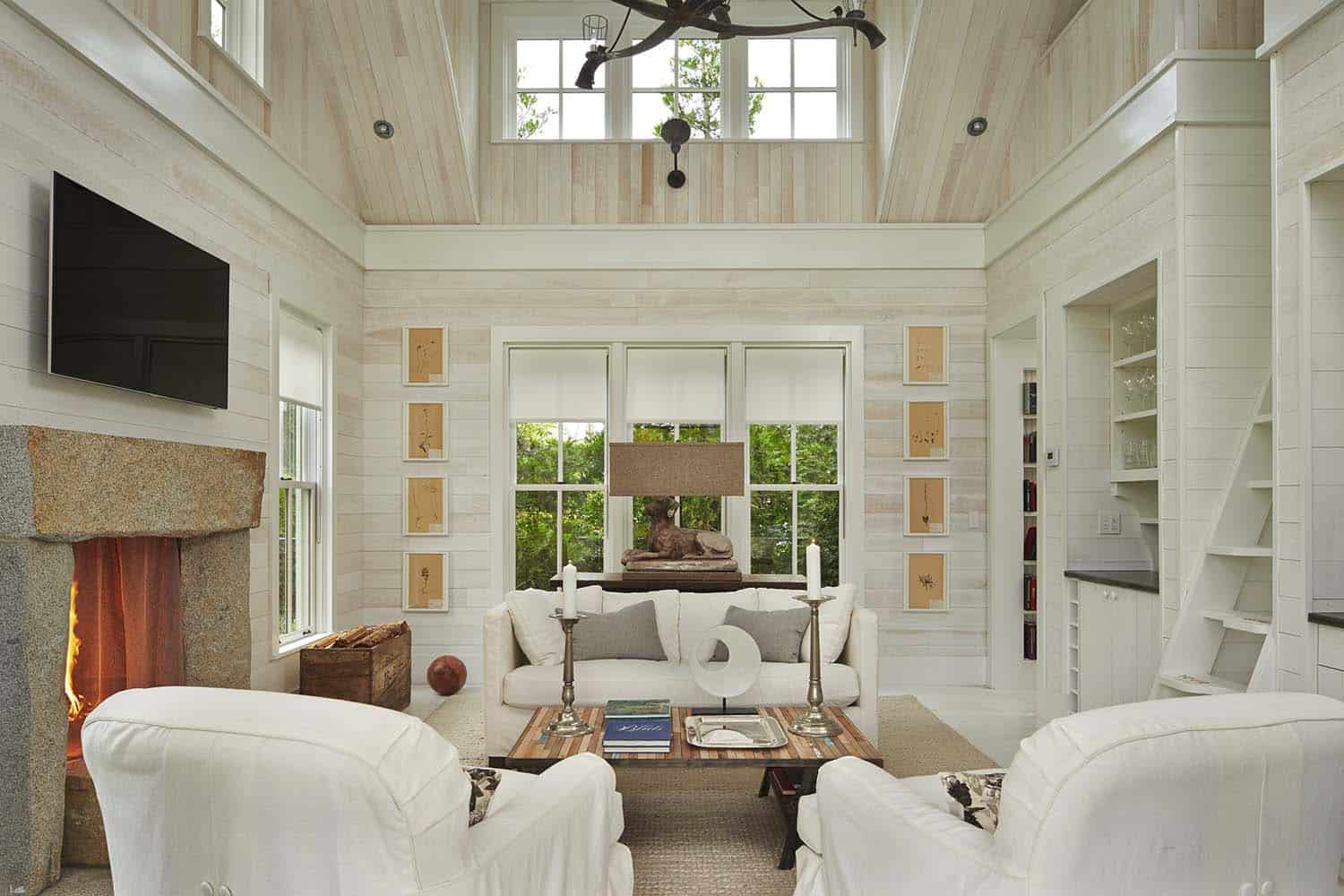 Cozy Beach House Retreat-Hoedemaker Pfeiffer-15-1 Kindesign