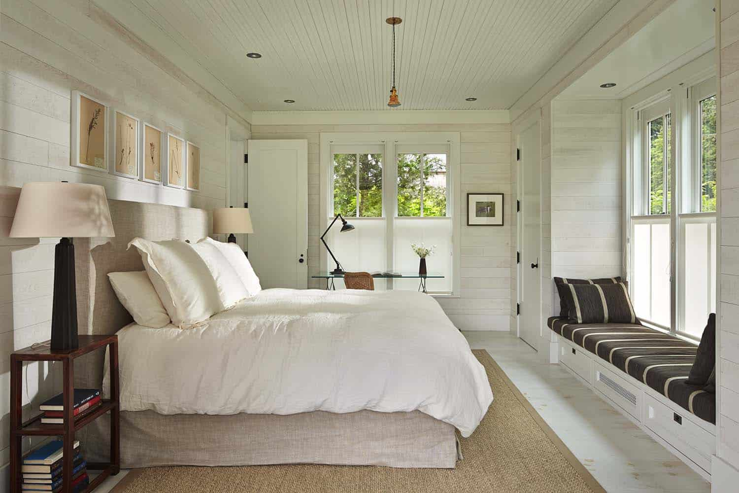 Cozy Beach House Retreat-Hoedemaker Pfeiffer-16-1 Kindesign