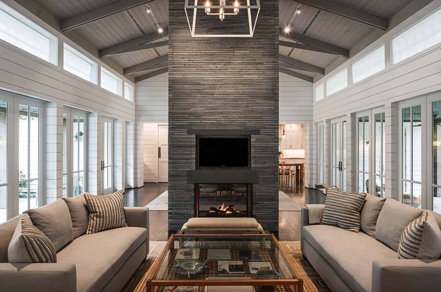 Farmhouse Style Home-Dillon Kyle Architects-04-1 Kindesign