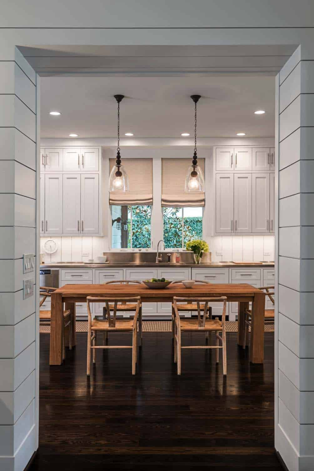 Farmhouse Style Home-Dillon Kyle Architects-09-1 Kindesign