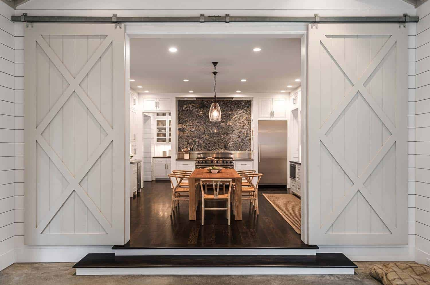 Farmhouse Style Home-Dillon Kyle Architects-11-1 Kindesign