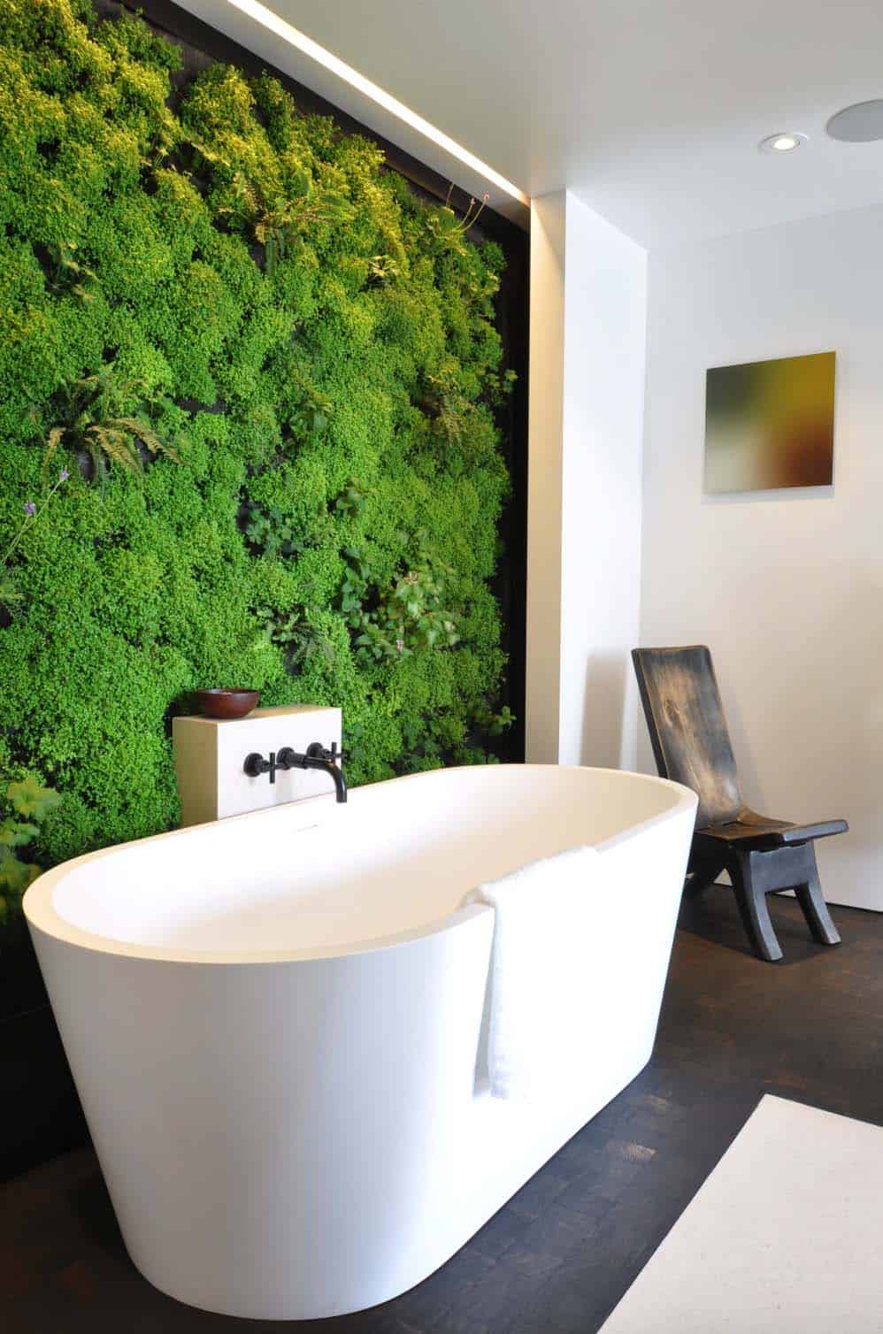 Inspiring Bathrooms Integrating Lush Gardens-05-1 Kindesign
