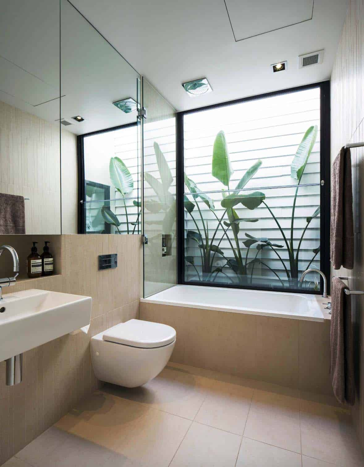 Inspiring Bathrooms Integrating Lush Gardens-06-1 Kindesign