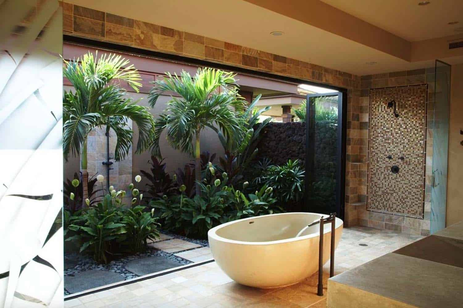 Inspiring Bathrooms Integrating Lush Gardens-08-1 Kindesign