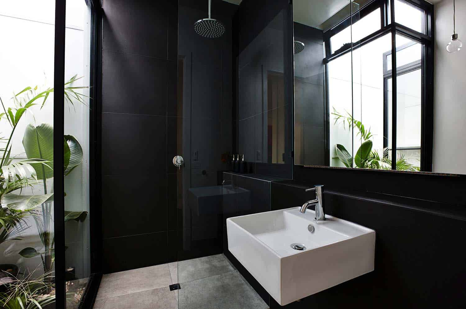 Inspiring Bathrooms Integrating Lush Gardens-09-1 Kindesign