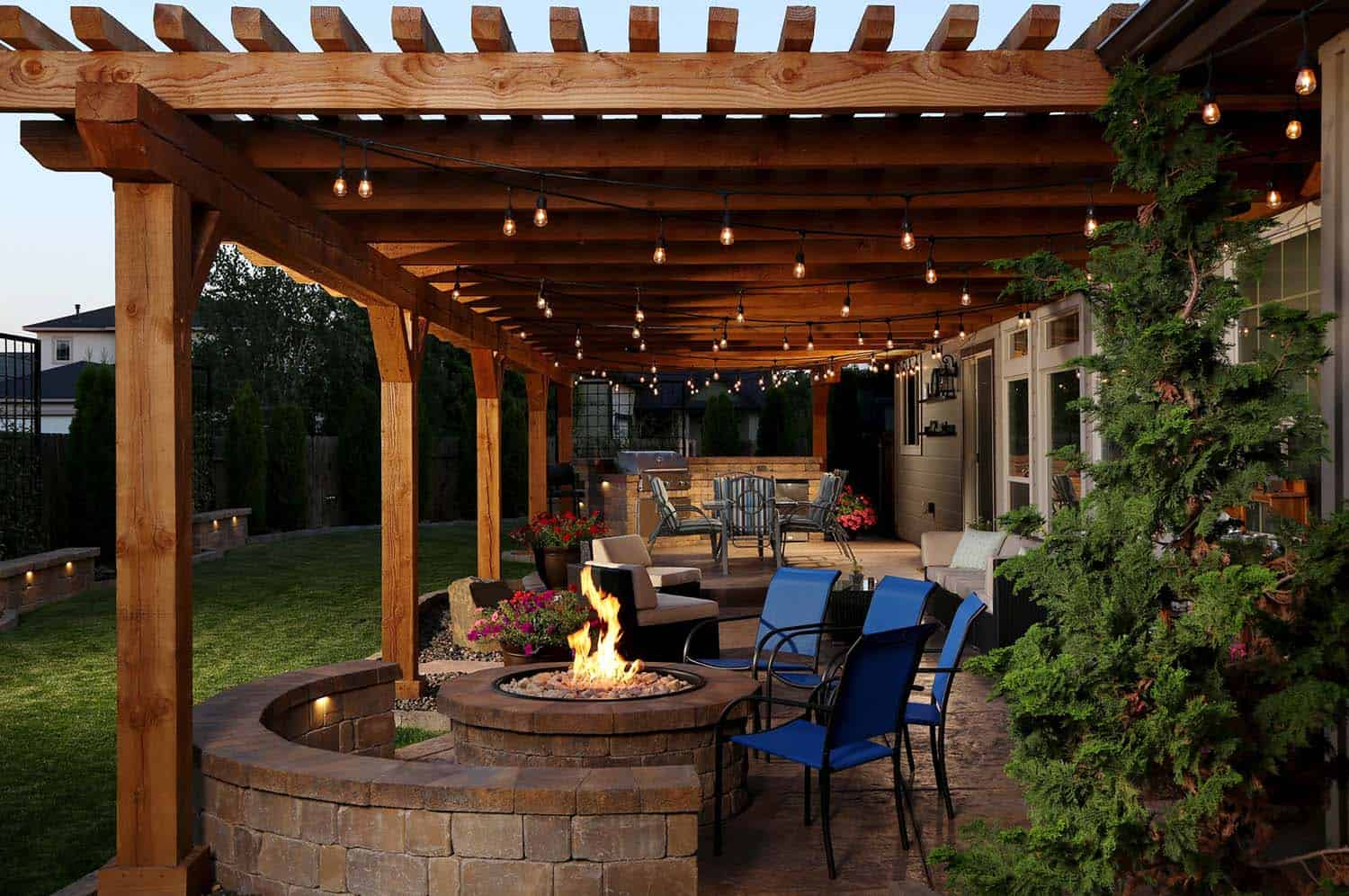 Inspiring String Light Ideas For Outdoors-16-1 Kindesign