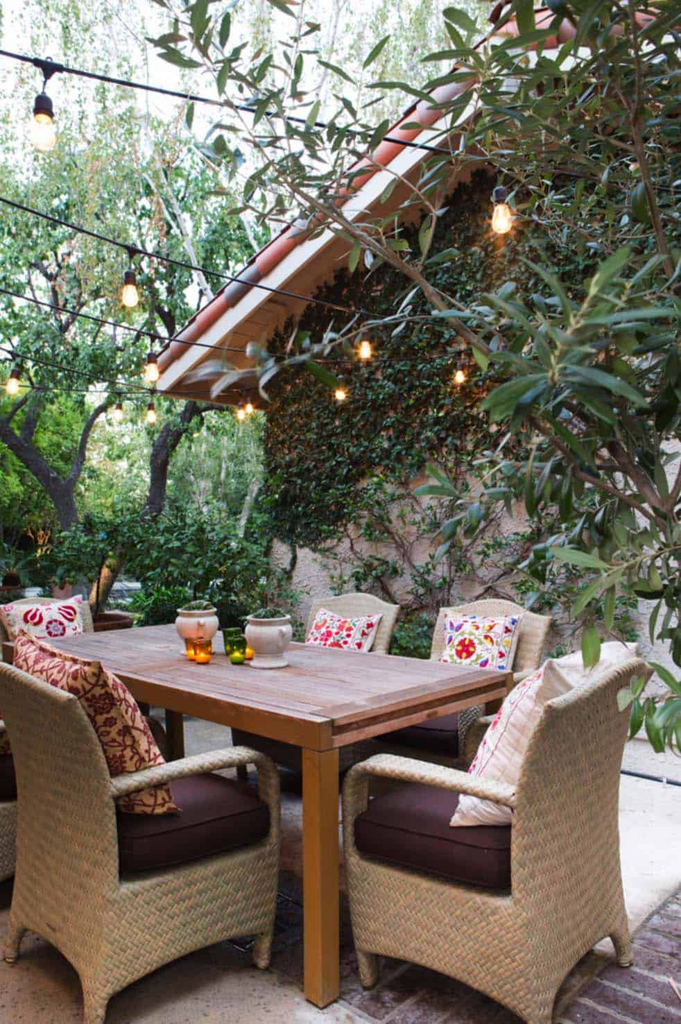 Inspiring String Light Ideas For Outdoors-24-1 Kindesign