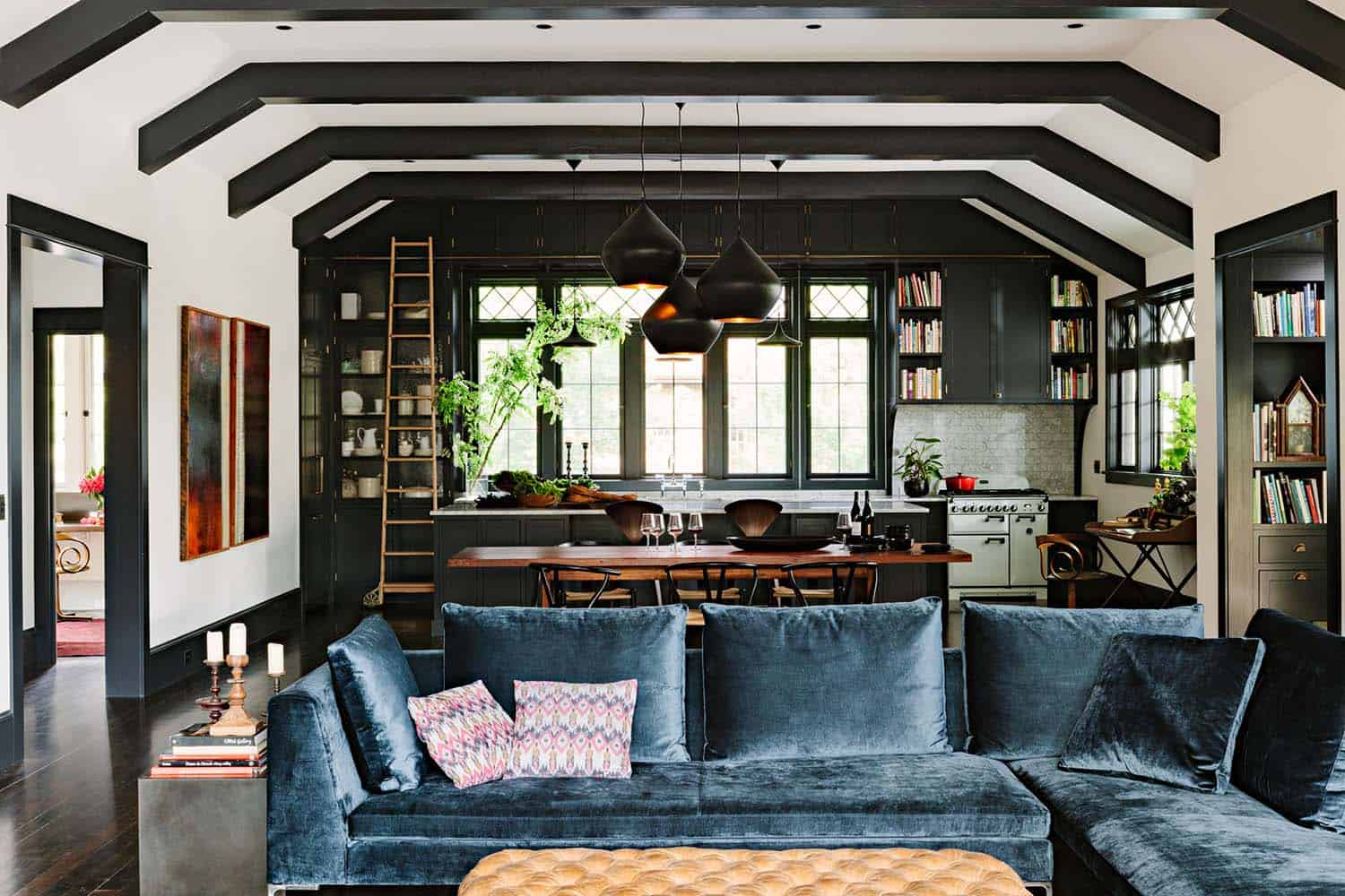 Inviting Library House-Jessica Helgerson-01-1 Kindesign