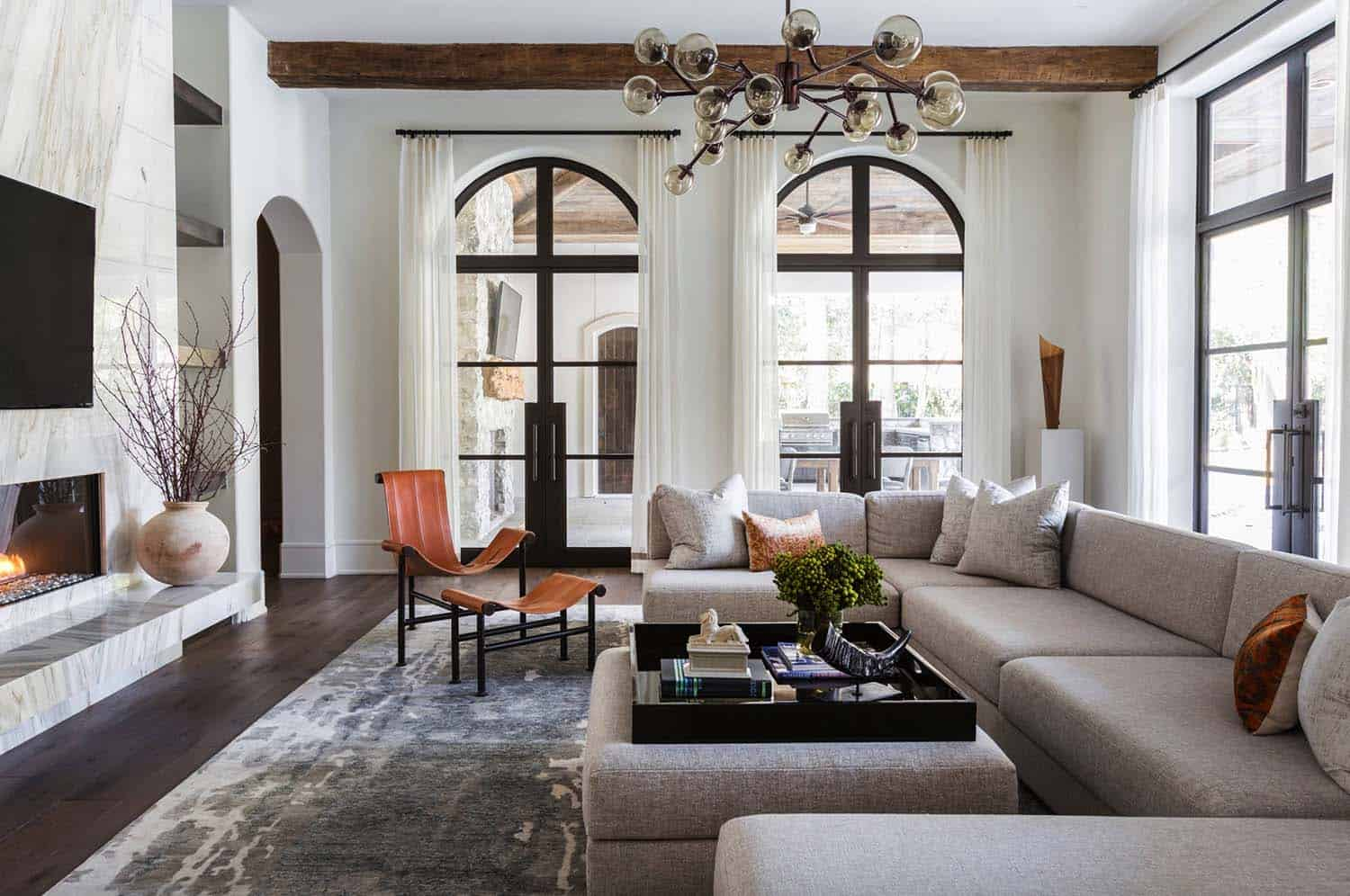 Mediterranean Style Home-Marie Flanigan Interiors-02-1 Kindesign