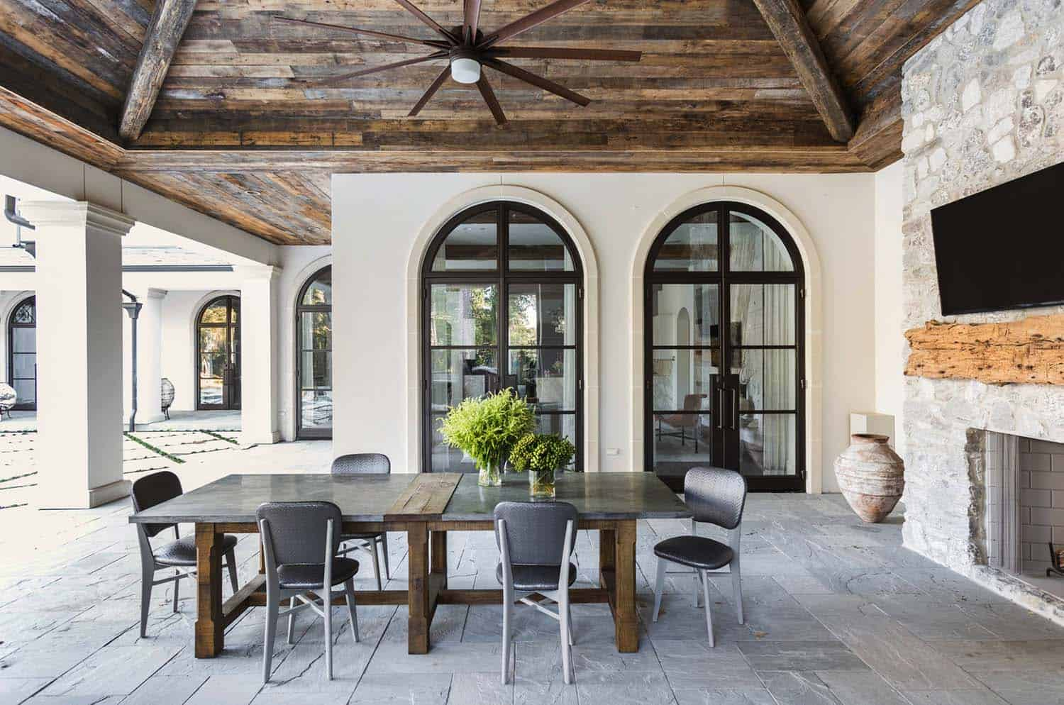 Mediterranean Style Home-Marie Flanigan Interiors-07-1 Kindesign