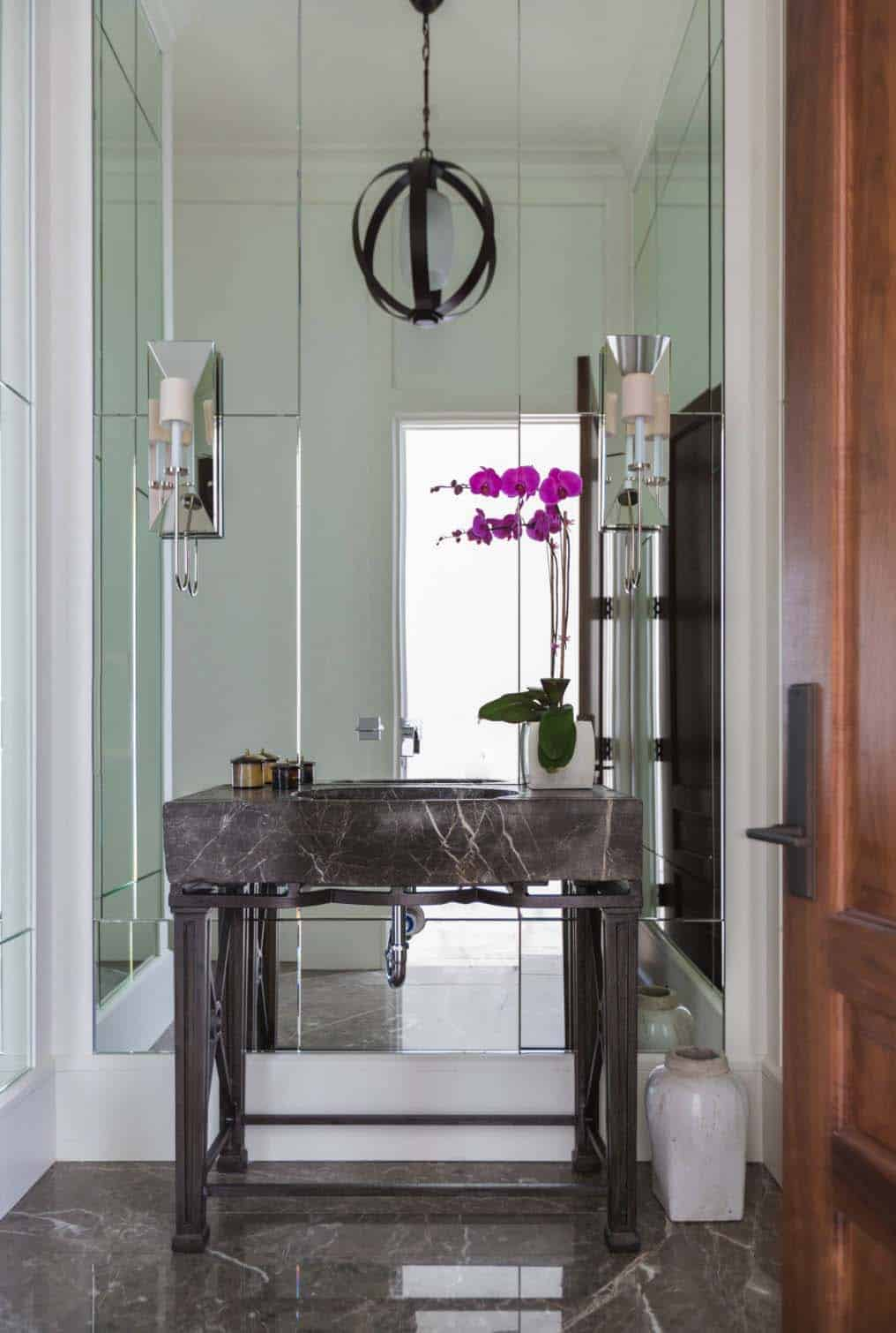 Mediterranean Style Home-Marie Flanigan Interiors-18-1 Kindesign