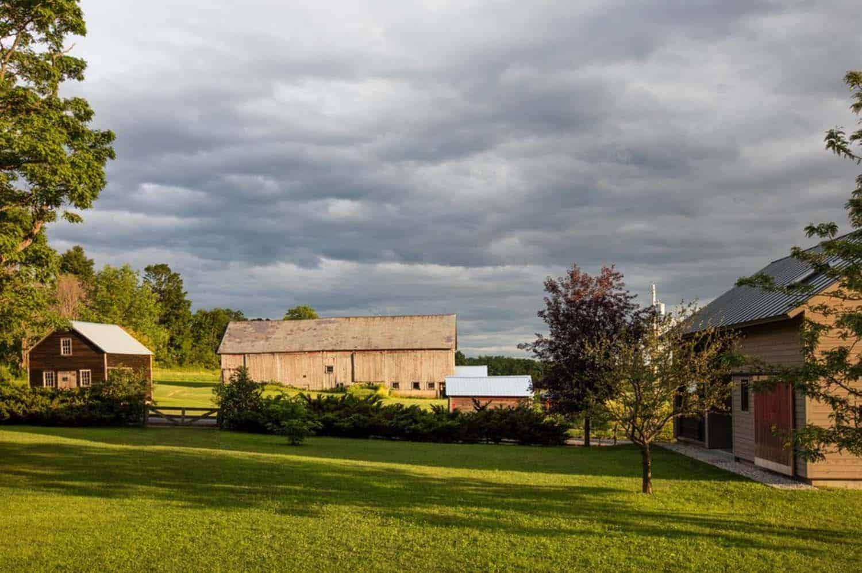Rustic Barn Guesthouse-Joan Heaton Architects-04-1 Kindesign