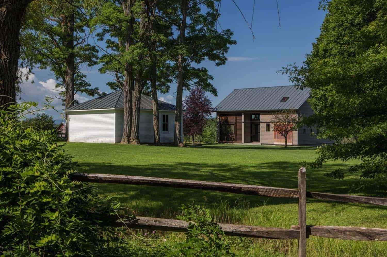 Rustic Barn Guesthouse-Joan Heaton Architects-05-1 Kindesign