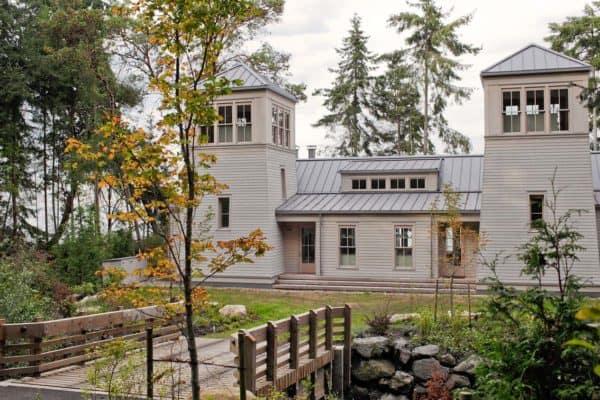 featured posts image for LEED Silver family retreat nestled on the shoreline of Vashon Island