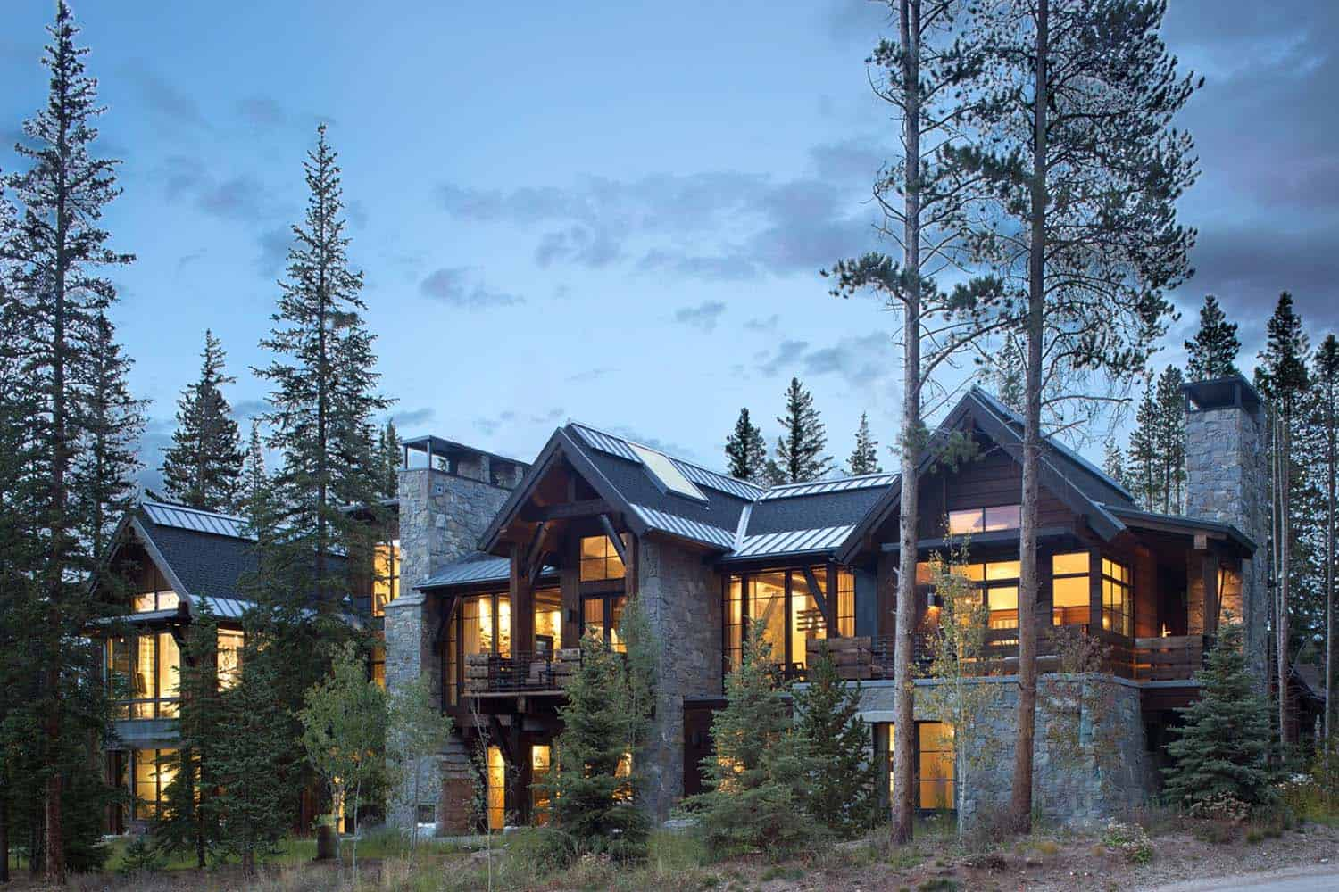 Mountain chalet in Colorado showcases rusticcontemporary