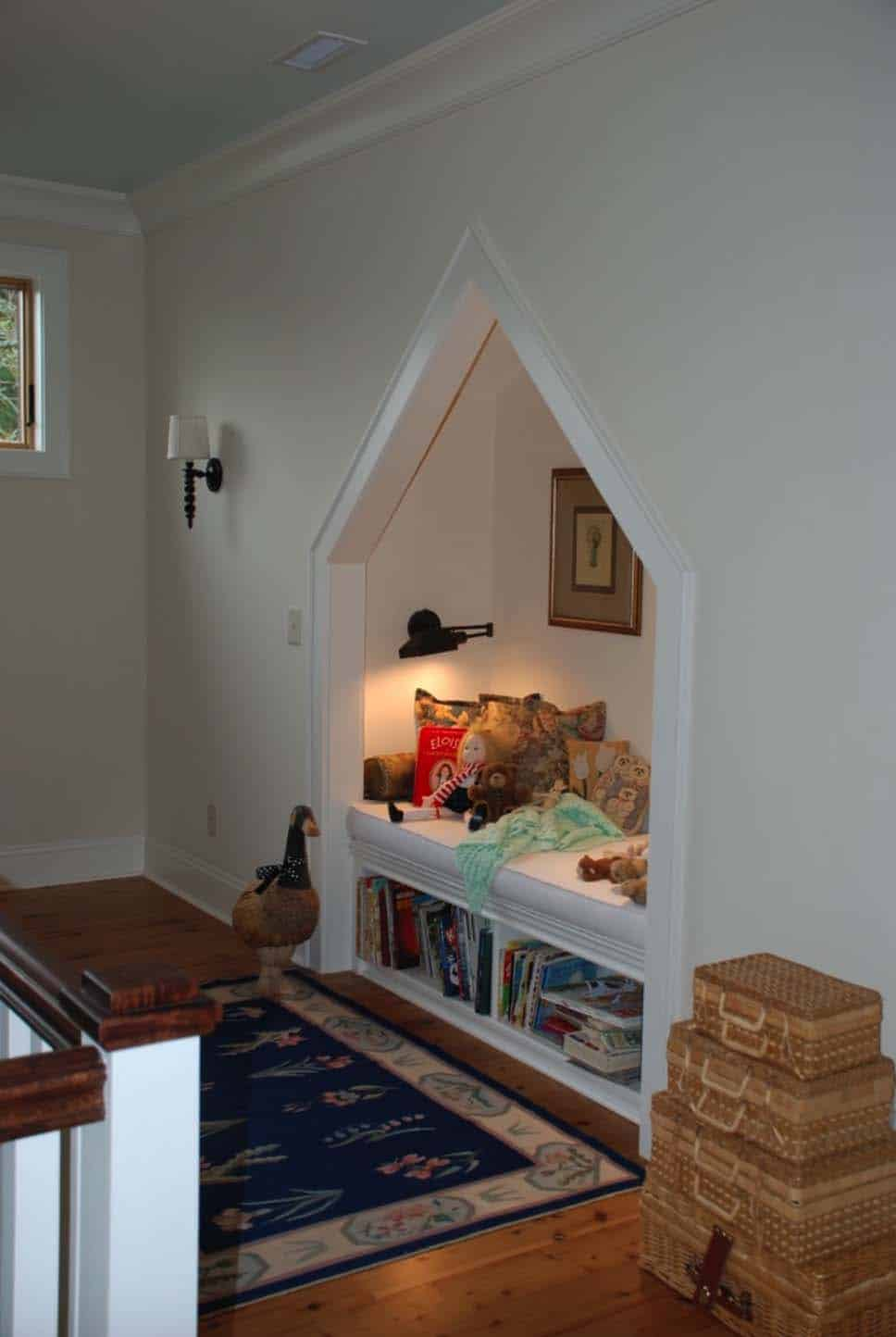 Cozy Reading Nooks For Lounging-13-1 Kindesign