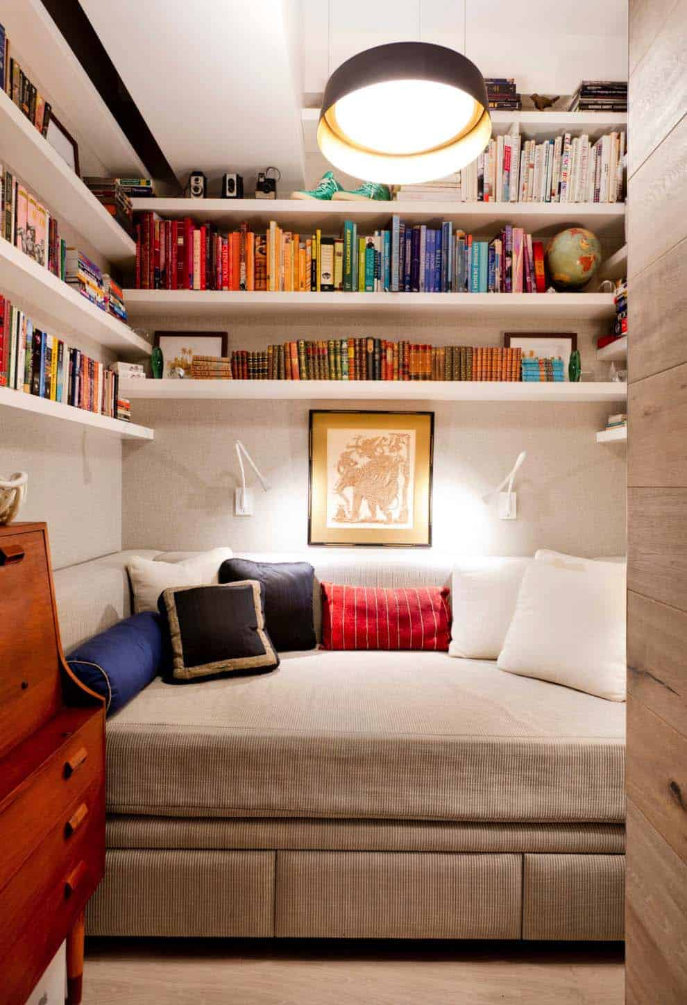Cozy Reading Nooks For Lounging-28-1 Kindesign