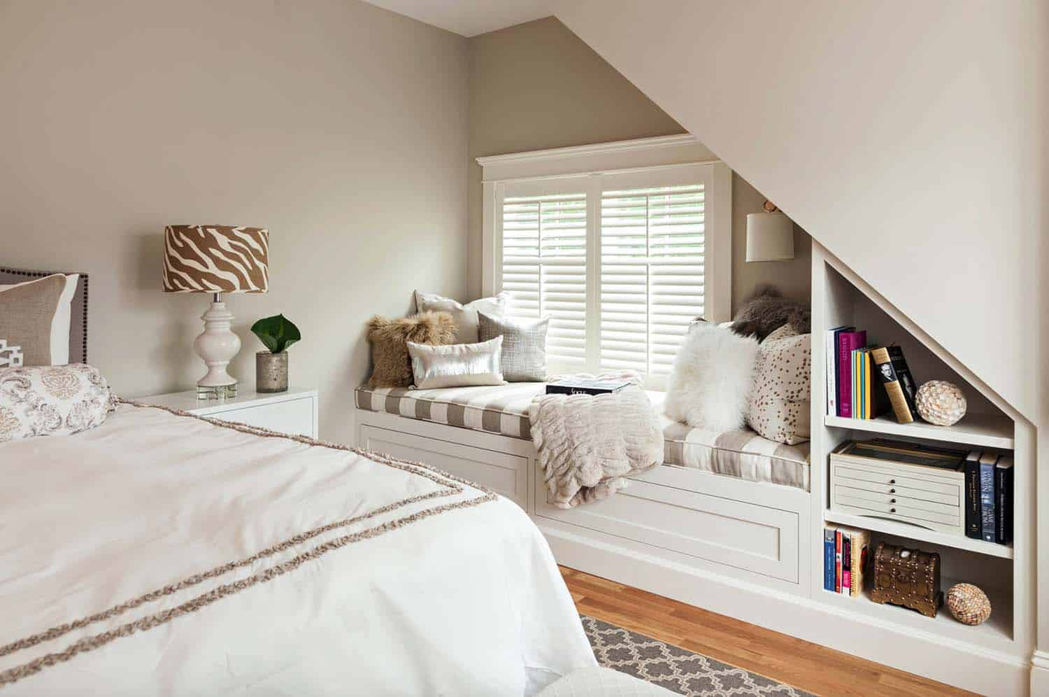 Cozy Reading Nooks For Lounging-30-1 Kindesign