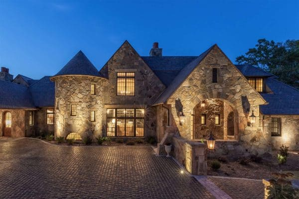 featured posts image for Delightful European-inspired dwelling on Lake Keowee, South Carolina