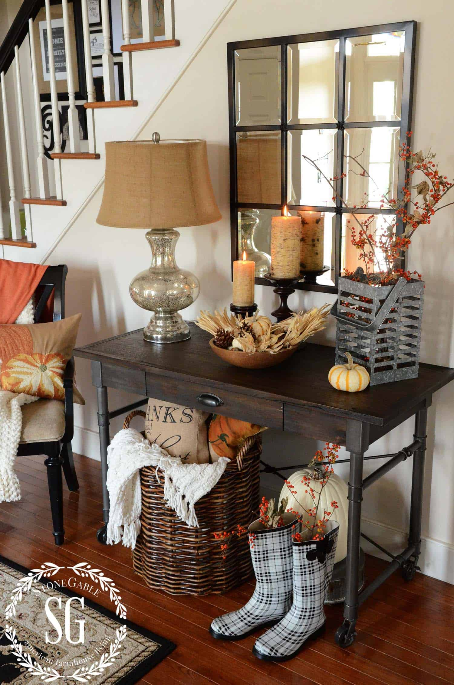 Fall-Inspired Entryway Decorating Ideas-08-1 Kindesign