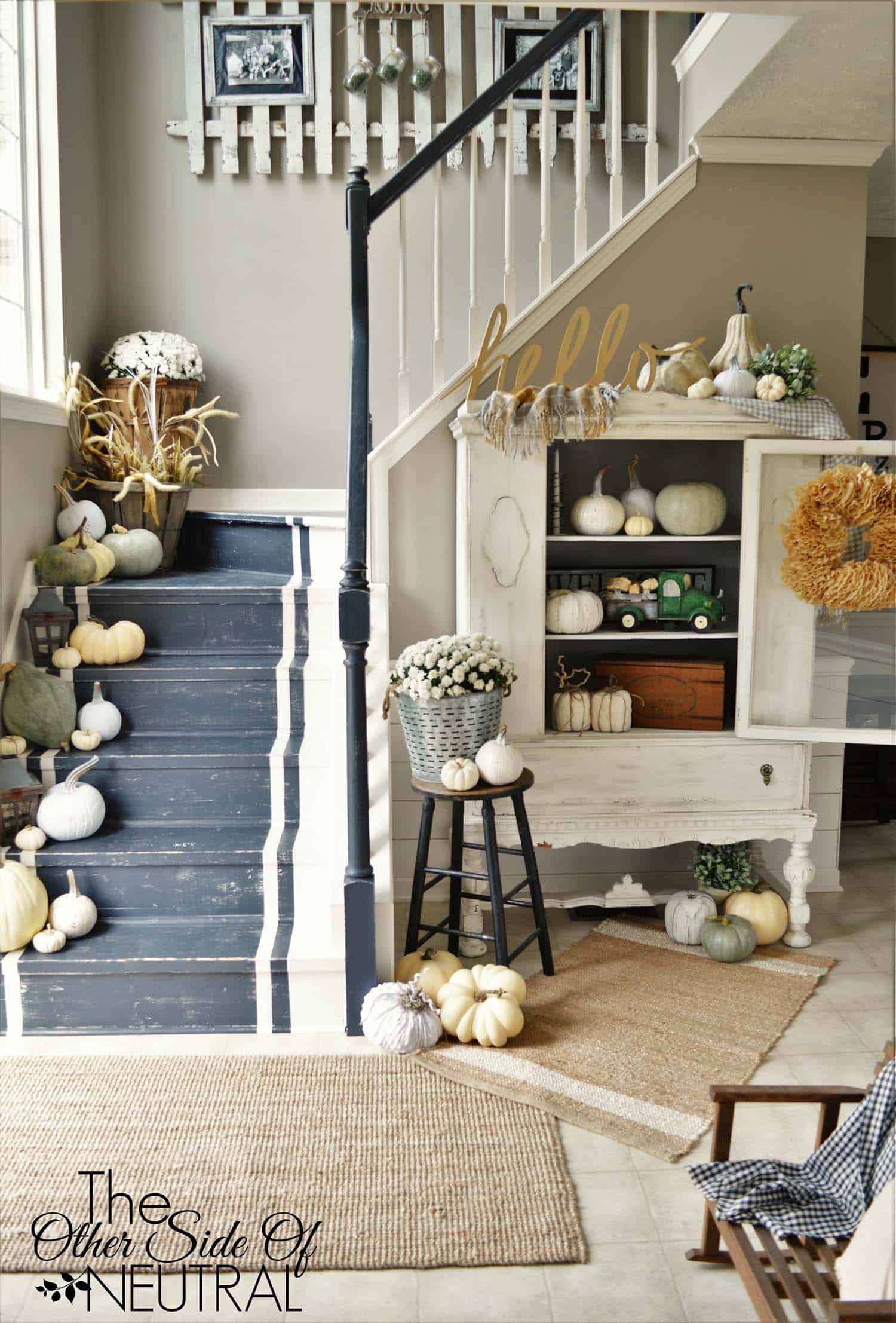 Entry Room Design: 28 Welcoming Fall-inspired Entryway Decorating Ideas