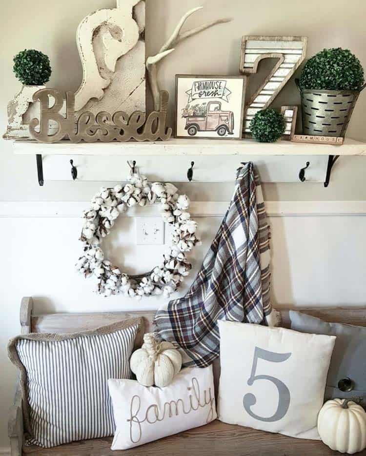 Fall-Inspired Entryway Decorating Ideas-25-1 Kindesign