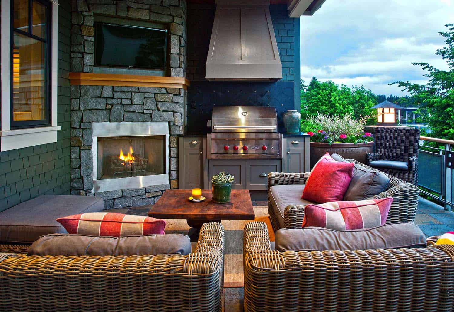 Fall-Inspired Outdoor Living Spaces-02-1 Kindesign
