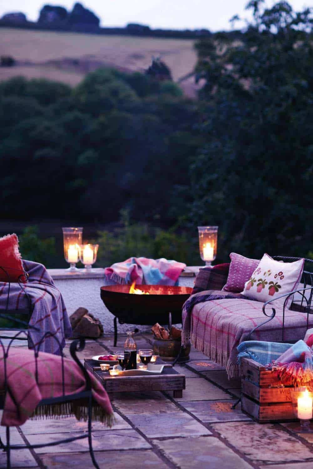 Fall-Inspired Outdoor Living Spaces-09-1 Kindesign
