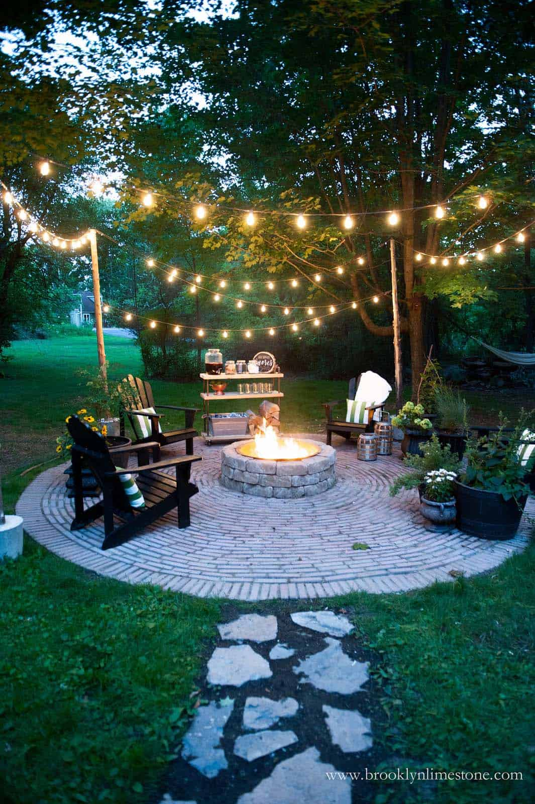 Fall-Inspired Outdoor Living Spaces-22-1 Kindesign