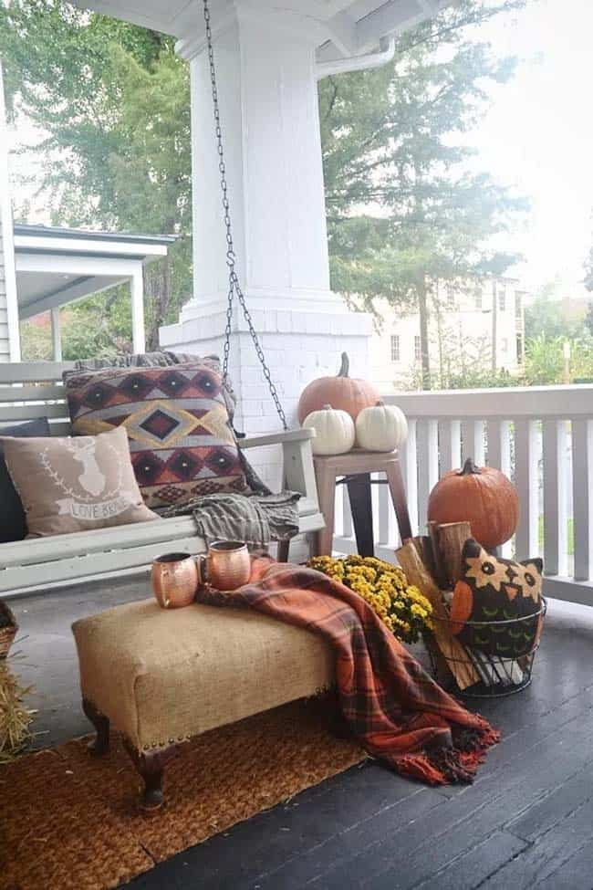 Fall-Inspired Outdoor Living Spaces-26-1 Kindesign