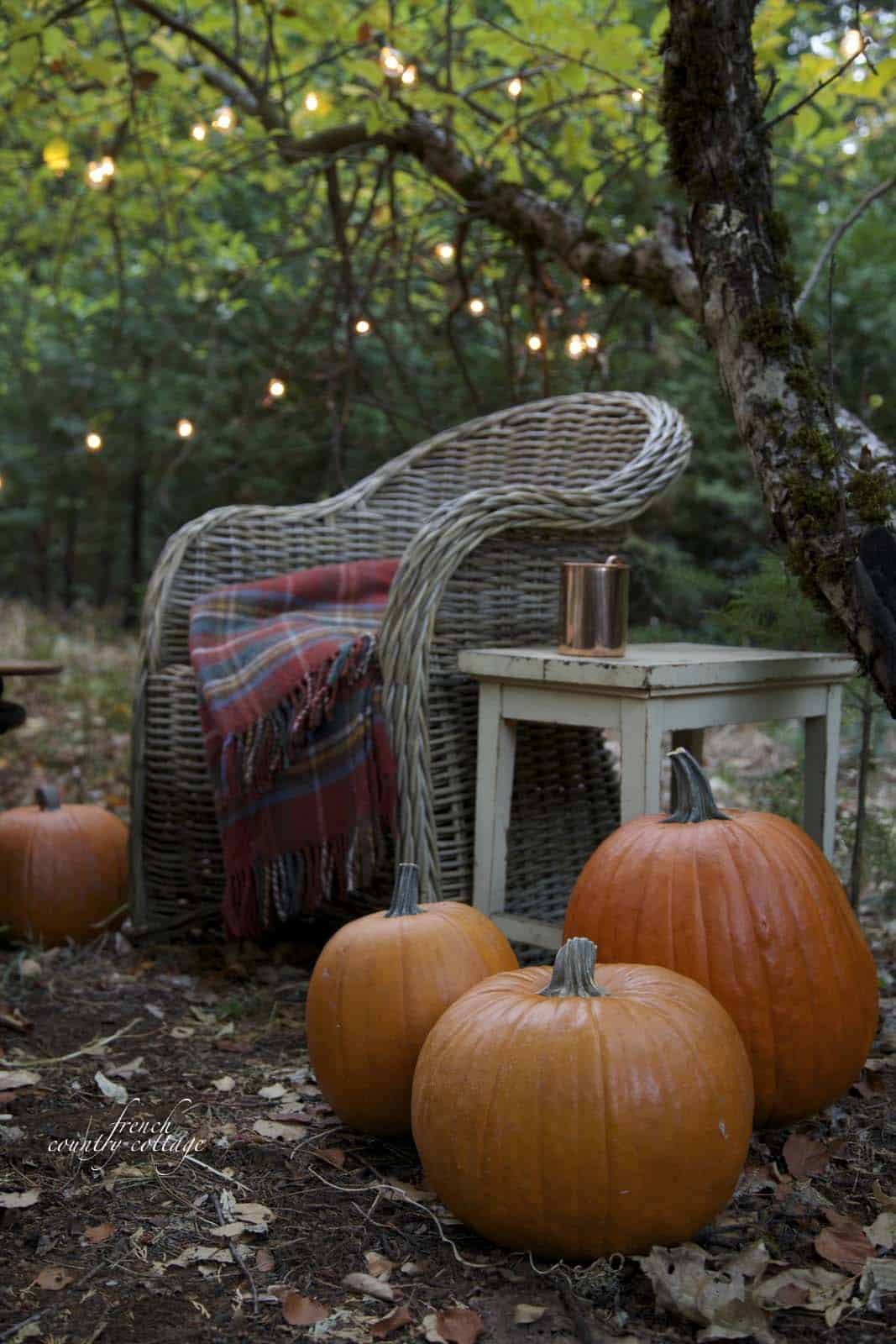 Fall-Inspired Outdoor Living Spaces-29-1 Kindesign