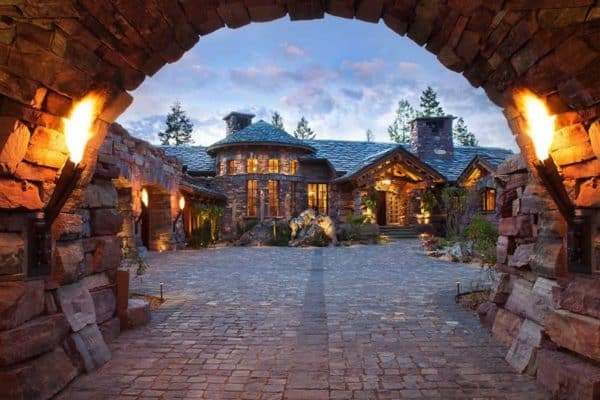 featured posts image for A dreamy Montana mountain retreat: Great Northern Lodge