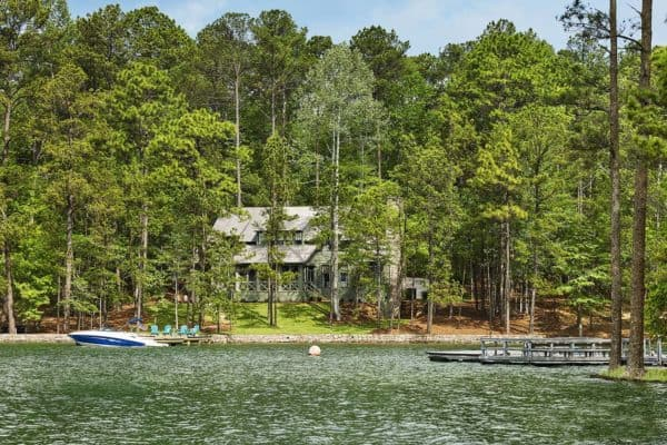 featured posts image for Lakefront home in Alabama designed for indoor-outdoor living