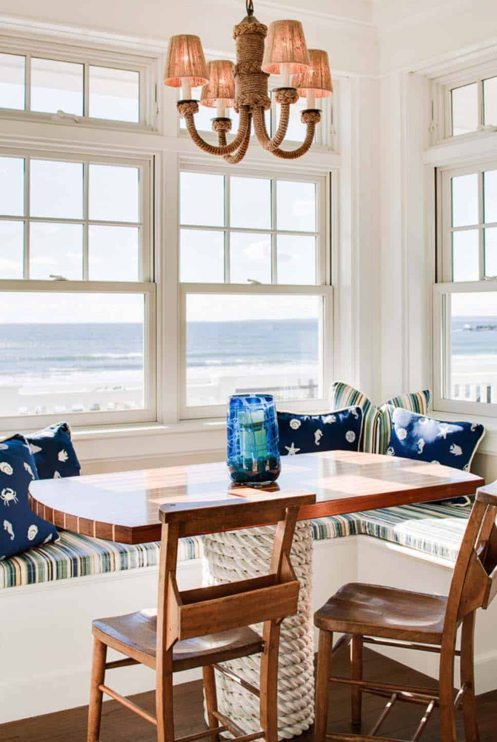 Dreamy seaside home in Maine with New England style architecture