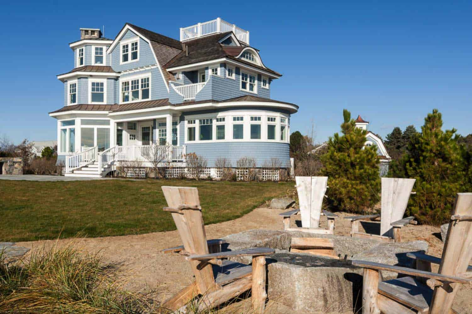 New England Beach House Hurl Designs 10 1 Kindesign