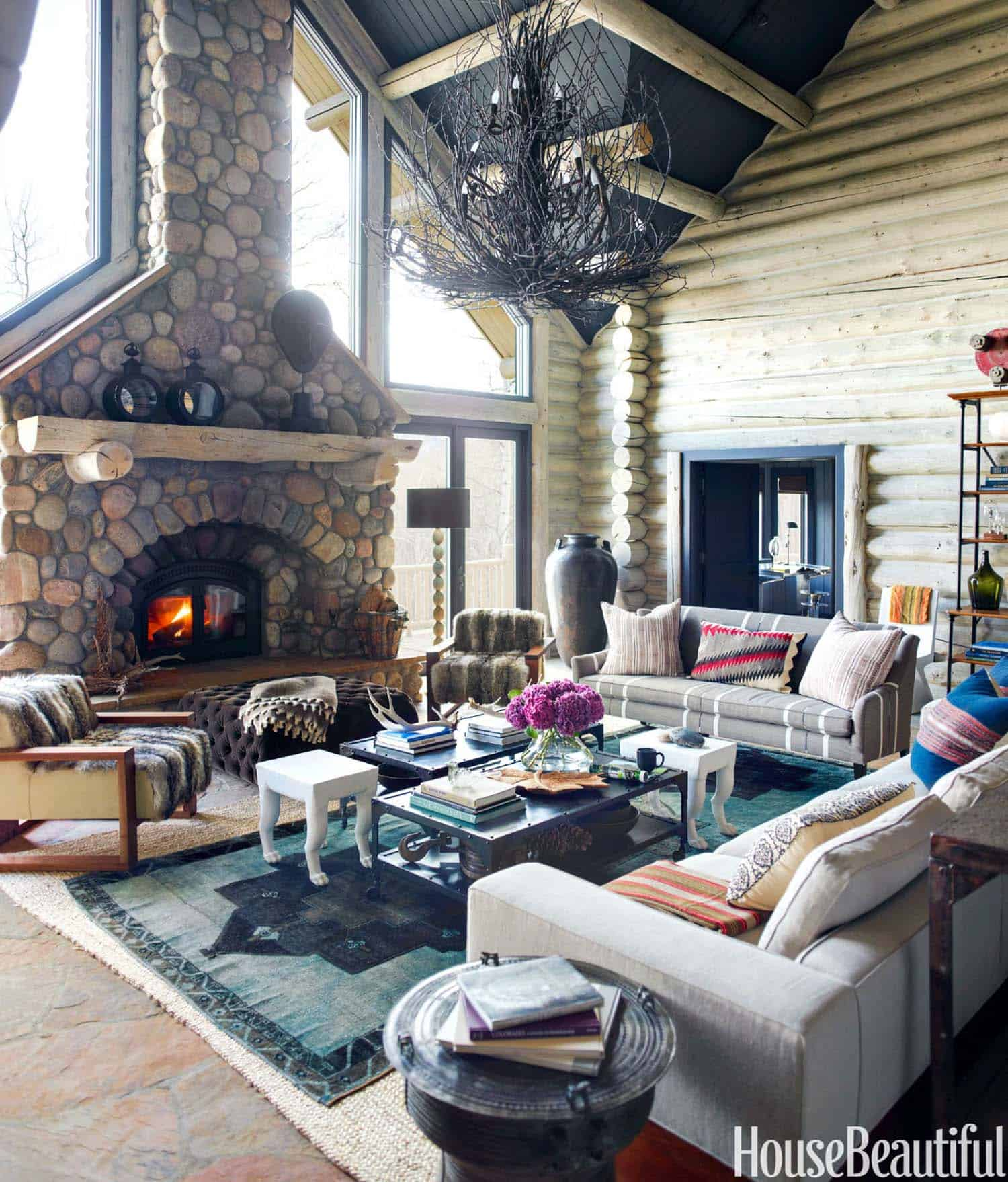 Rustic Log Cabin-Thom Filicia-01-1 Kindesign