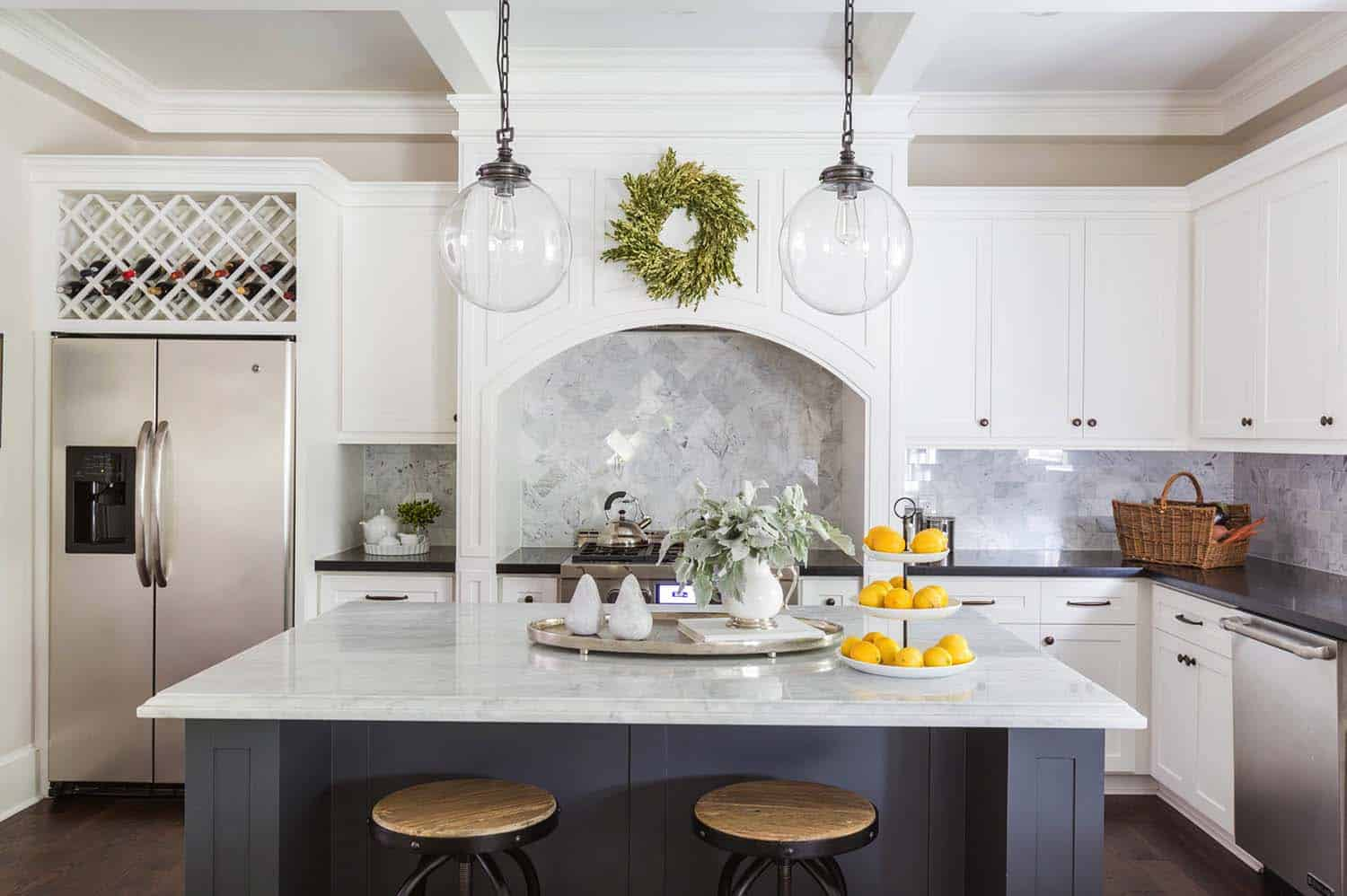 Traditional Style Bungalow-Marie Flanigan Interiors-09-1 Kindesign